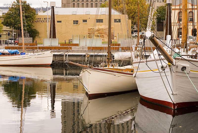 _LLG2594_Hobart_harbour_boats